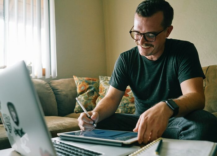 Man reading eCommerce Blogs